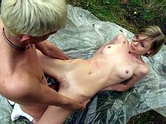Ultra big cock penetrate skinny girl